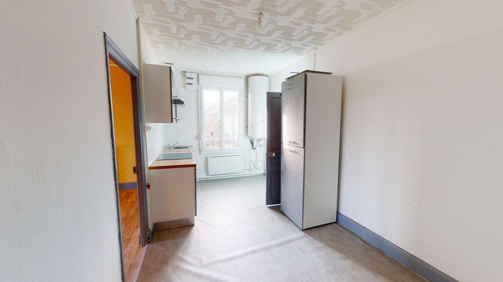 Appartement à louer 4 65.2m2 à Revigny-sur-Ornain vignette-2