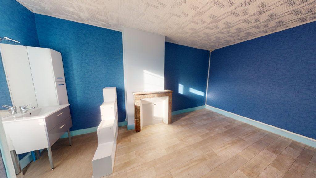 Appartement à louer 4 65.2m2 à Revigny-sur-Ornain vignette-3