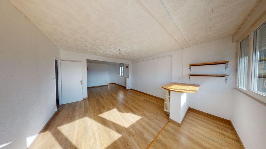 Appartement à louer 3 71.3m2 à Bar-le-Duc vignette-1