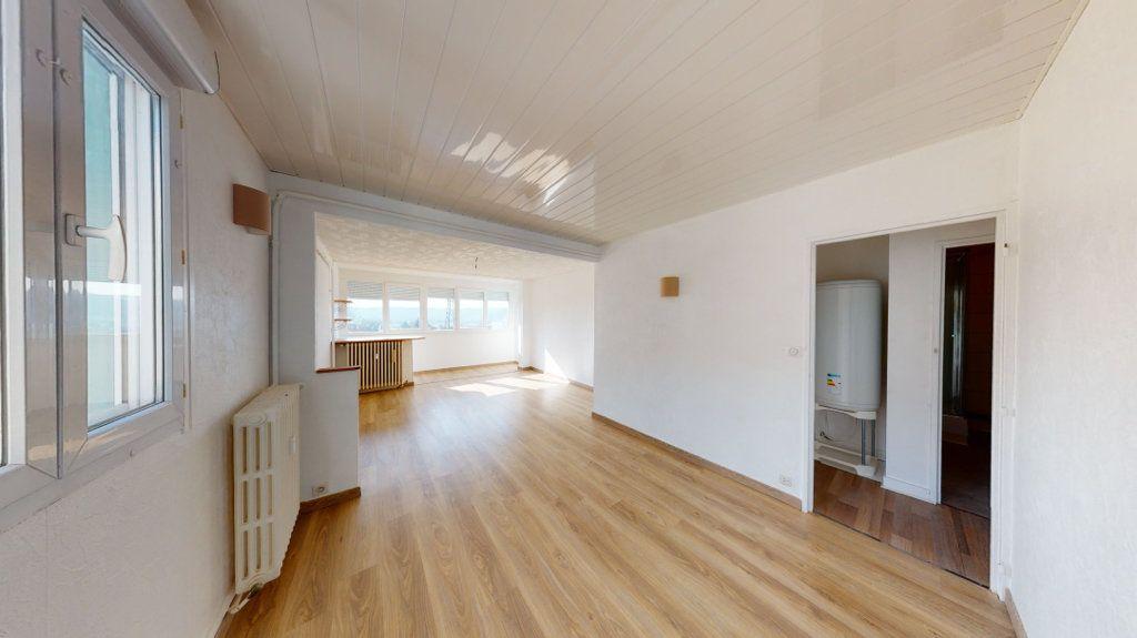 Appartement à louer 3 71.3m2 à Bar-le-Duc vignette-2