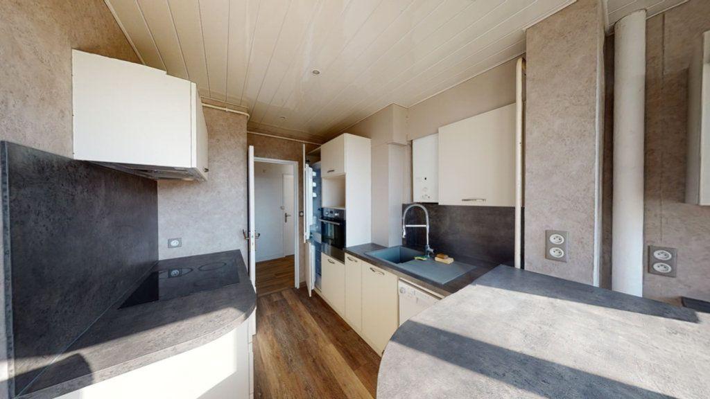 Appartement à louer 3 71.3m2 à Bar-le-Duc vignette-3