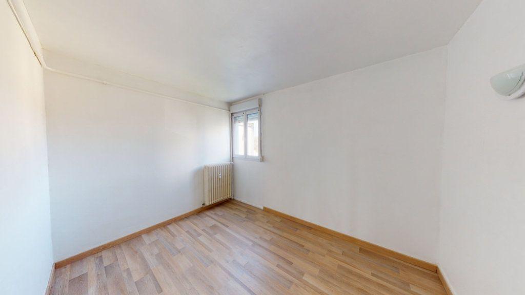 Appartement à louer 3 71.3m2 à Bar-le-Duc vignette-5