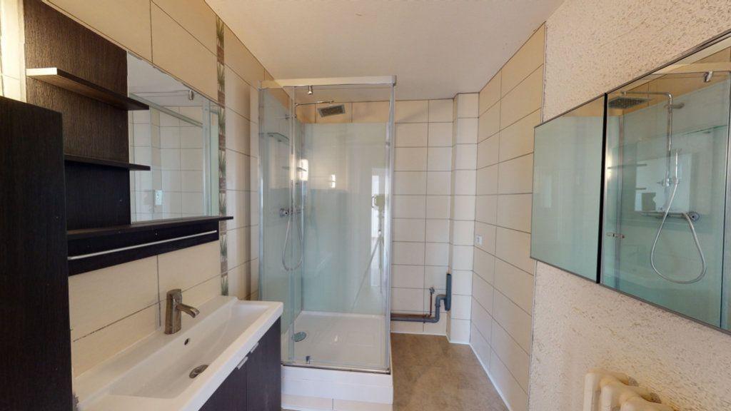 Appartement à louer 3 71.3m2 à Bar-le-Duc vignette-6