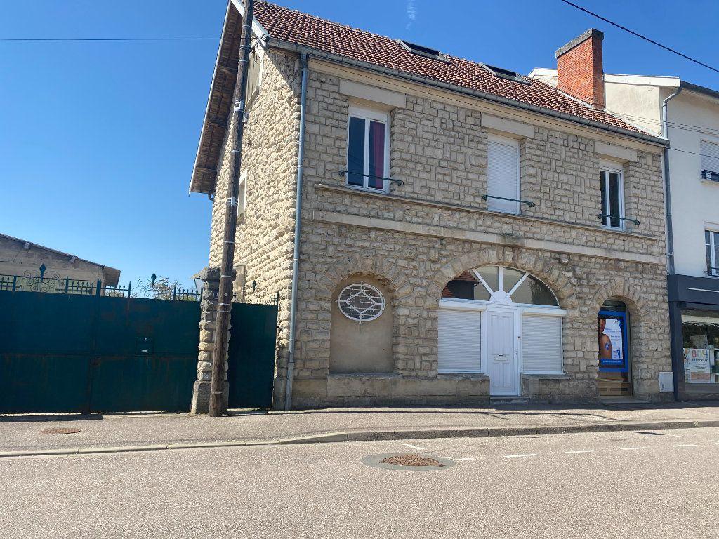 Maison à vendre 8 150m2 à Revigny-sur-Ornain vignette-1