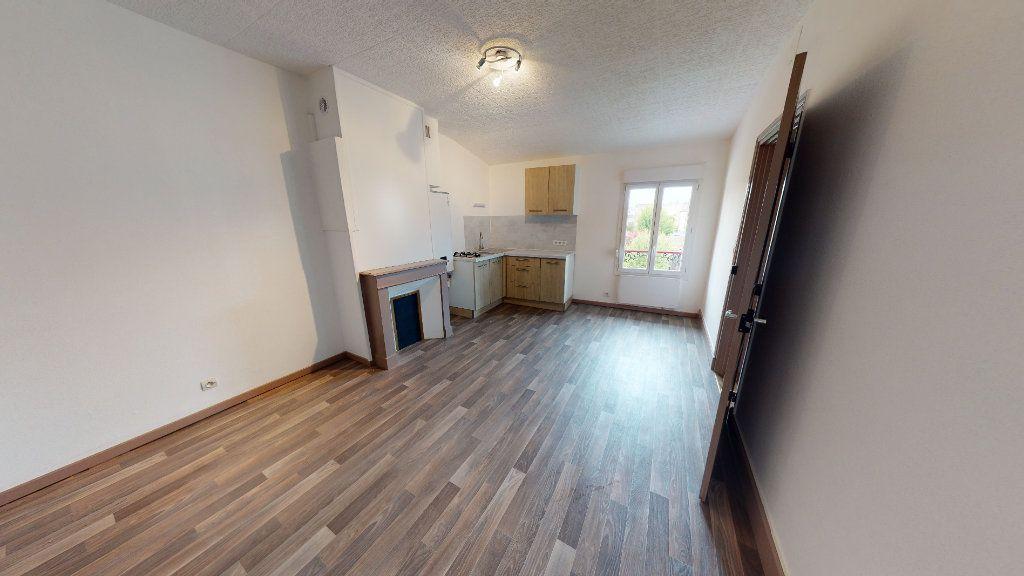Appartement à louer 2 37m2 à Bar-le-Duc vignette-1