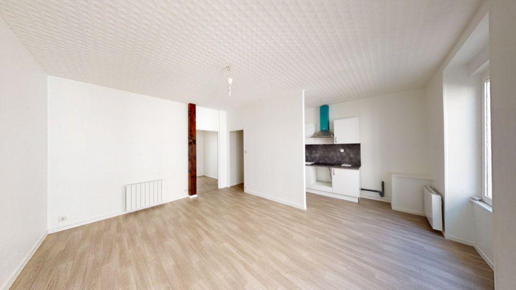 Appartement à louer 2 51.22m2 à Saint-Mihiel vignette-1