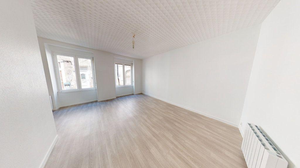 Appartement à louer 2 51.22m2 à Saint-Mihiel vignette-2