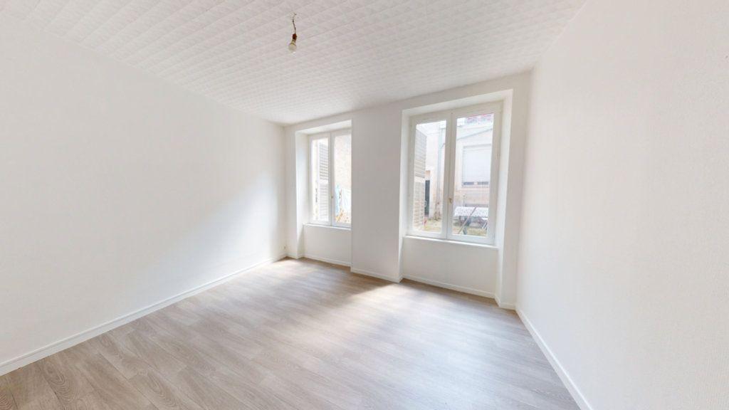 Appartement à louer 2 51.22m2 à Saint-Mihiel vignette-3