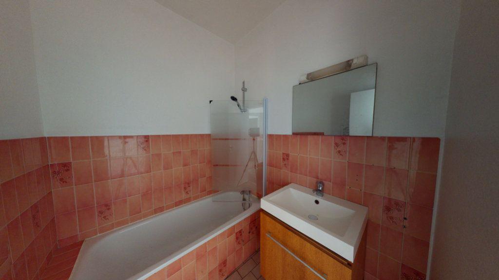 Appartement à louer 2 51.22m2 à Saint-Mihiel vignette-4