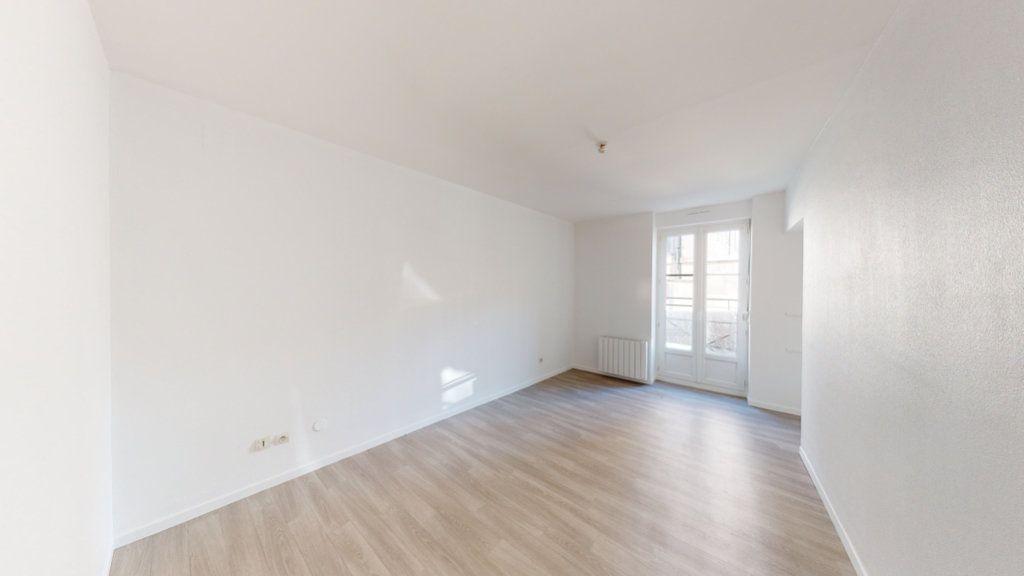 Appartement à louer 2 68m2 à Lérouville vignette-2