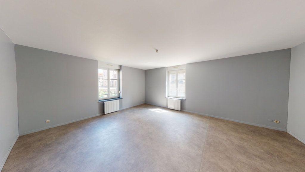 Appartement à louer 2 68m2 à Lérouville vignette-3