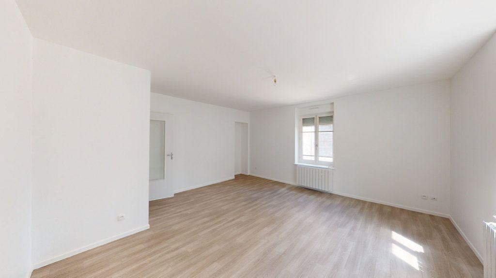 Appartement à louer 2 74m2 à Lérouville vignette-1