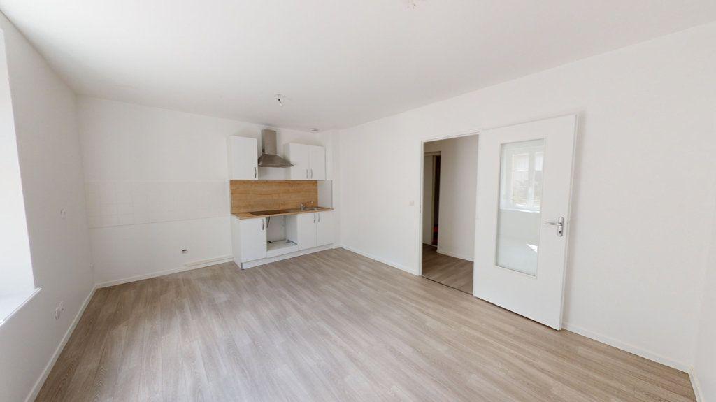 Appartement à louer 2 74m2 à Lérouville vignette-4