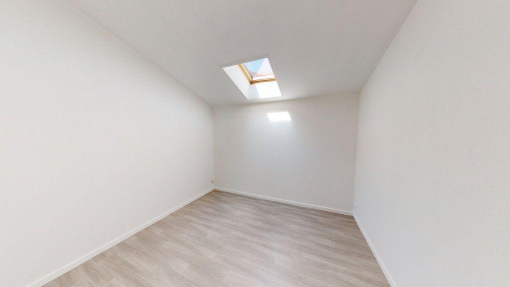 Maison à louer 3 65m2 à Saint-Mihiel vignette-3