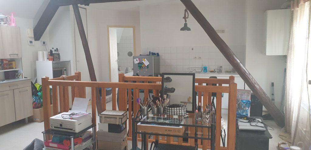 Appartement à louer 2 50m2 à Bar-le-Duc vignette-3