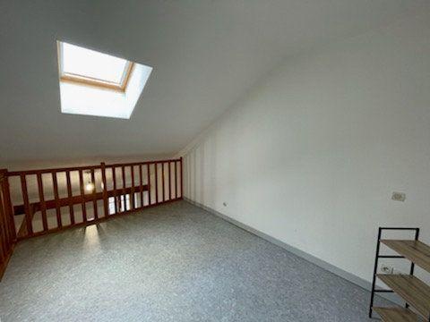 Appartement à louer 2 30m2 à Bar-le-Duc vignette-3
