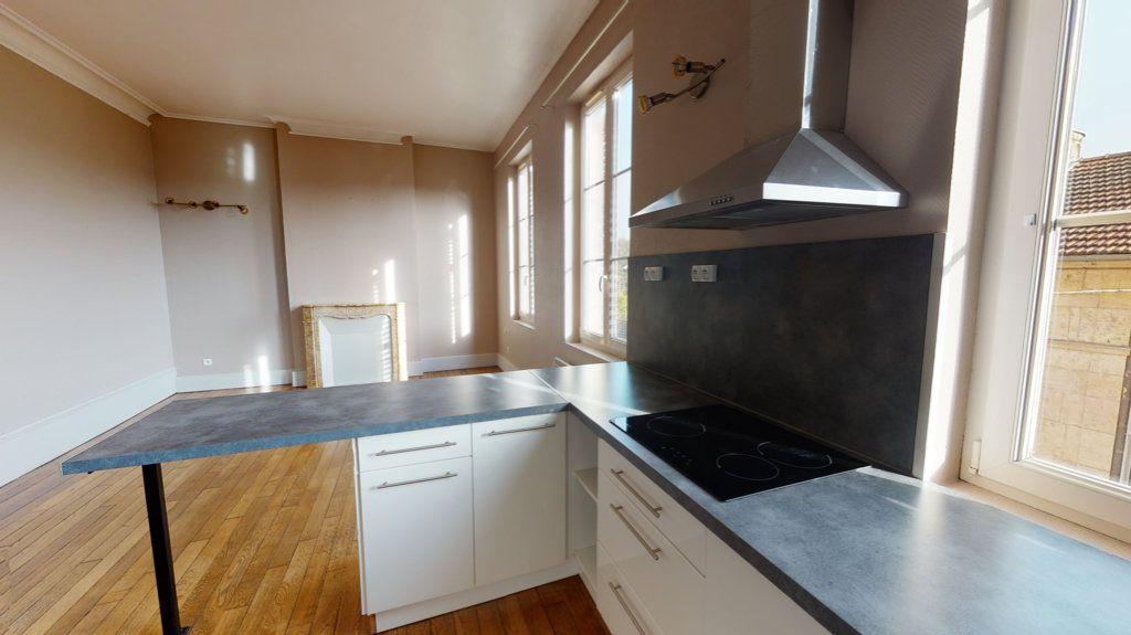 Appartement à louer 2 42m2 à Bar-le-Duc vignette-2