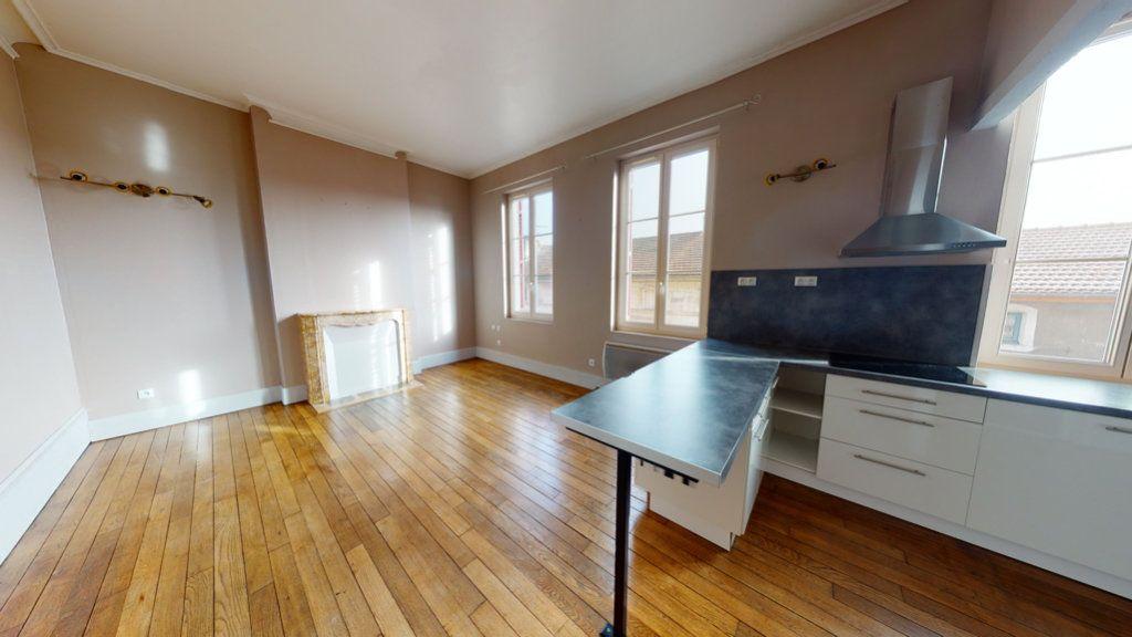 Appartement à louer 2 42m2 à Bar-le-Duc vignette-3