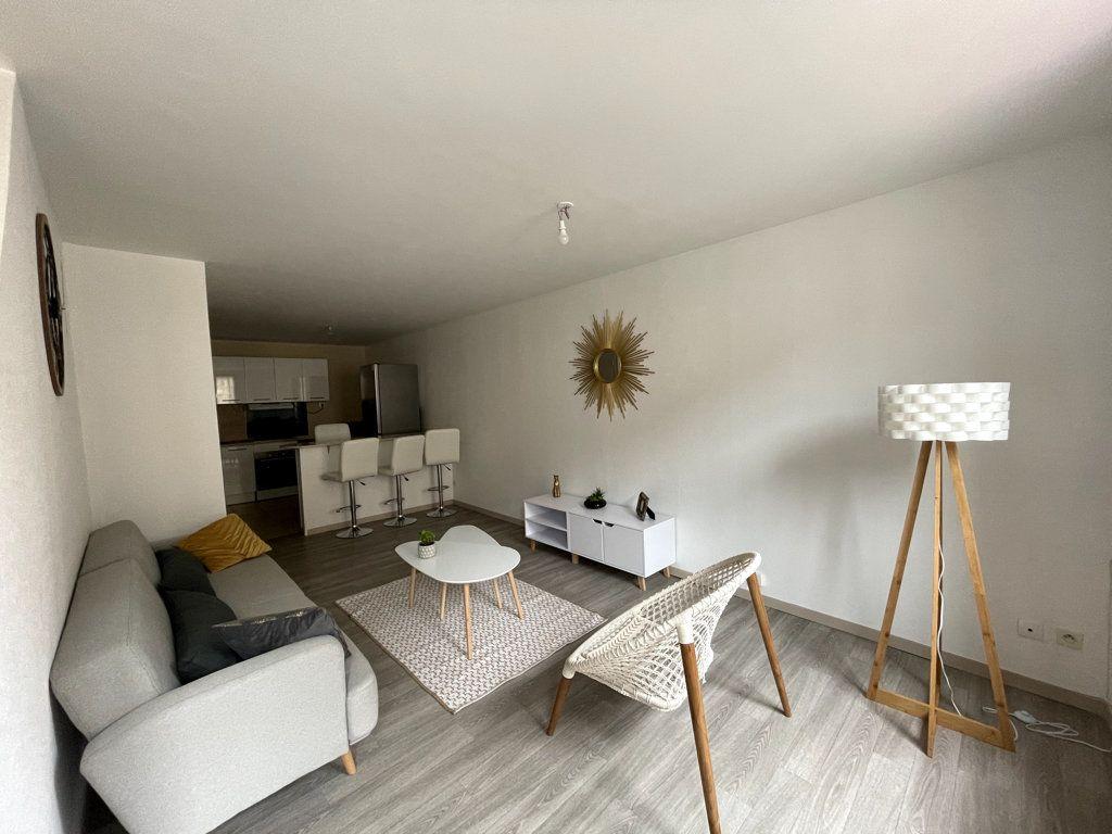 Appartement à louer 3 72.5m2 à Bar-le-Duc vignette-1