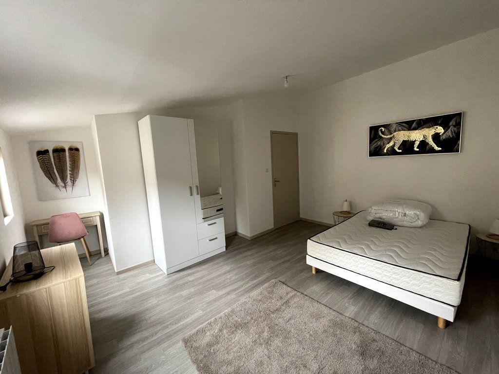 Appartement à louer 3 72.5m2 à Bar-le-Duc vignette-2