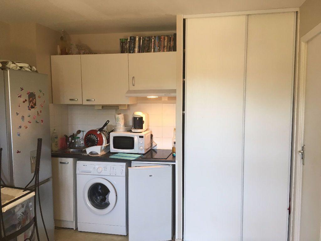 Appartement à louer 1 22m2 à Ouistreham vignette-2