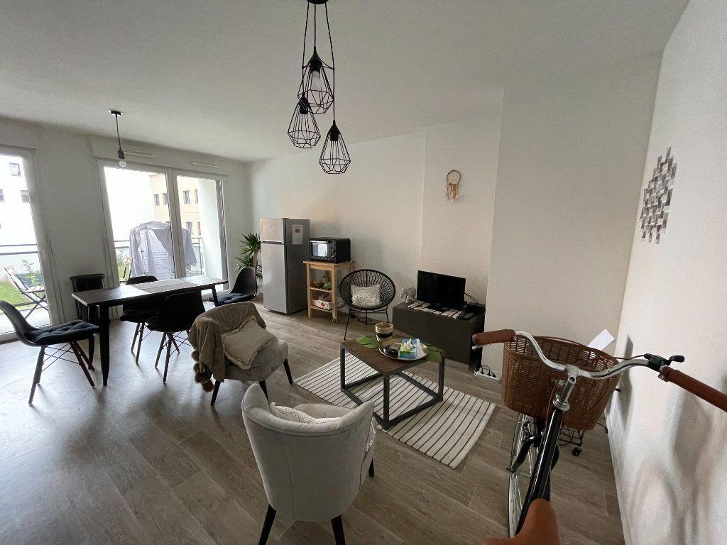 Appartement à louer 3 58.07m2 à Hérouville-Saint-Clair vignette-1
