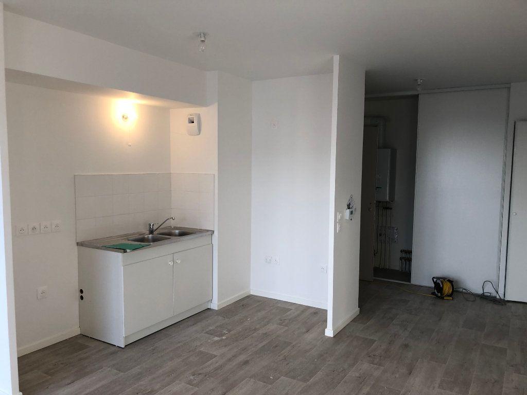 Appartement à louer 3 55m2 à Caen vignette-3