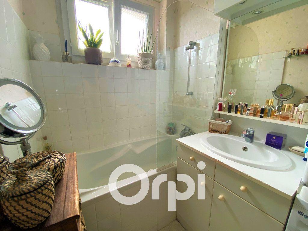 Appartement à vendre 4 71.25m2 à Ouistreham vignette-6