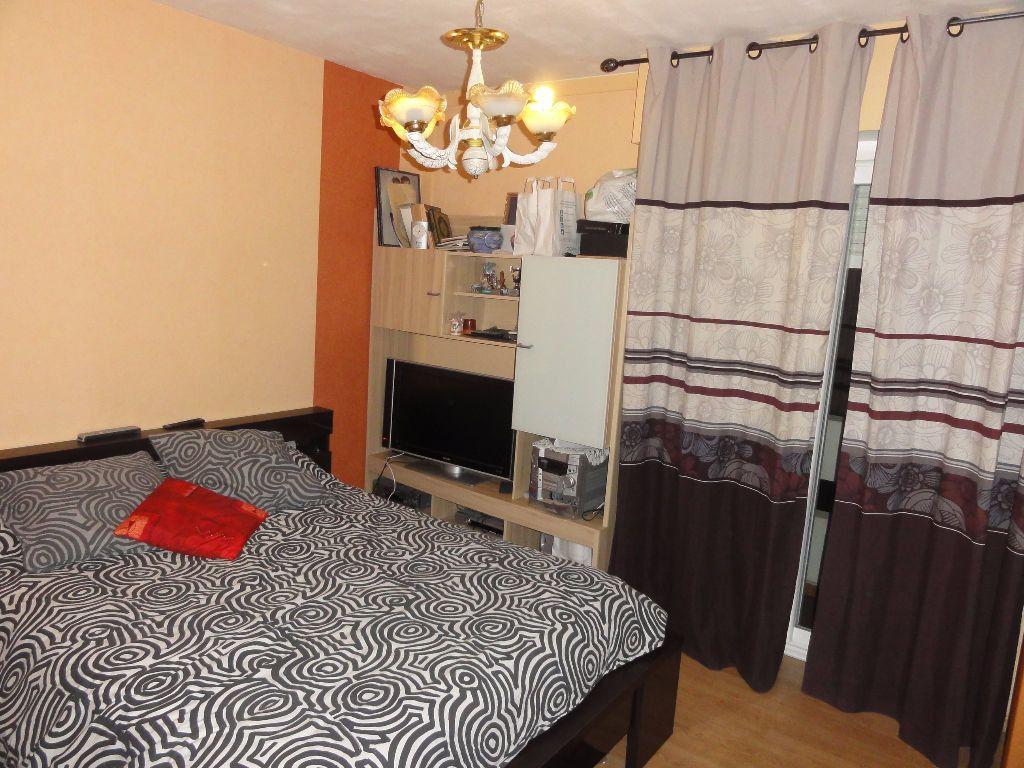 Appartement à vendre 6 101.03m2 à Nîmes vignette-7