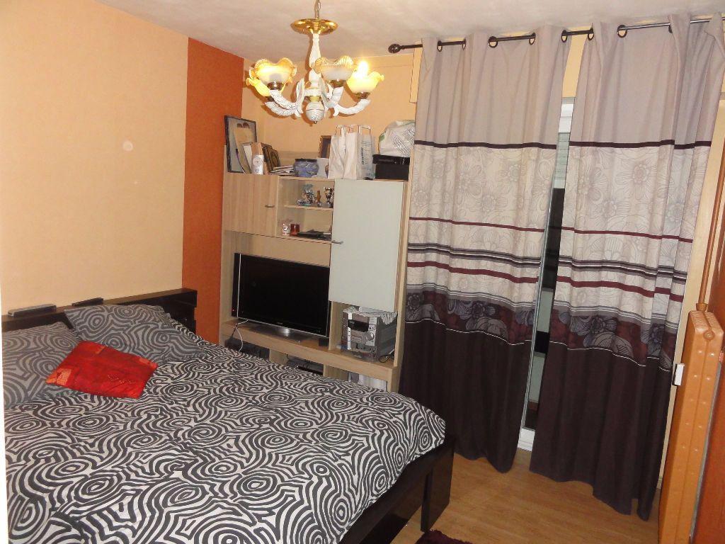 Appartement à vendre 6 101.03m2 à Nîmes vignette-9