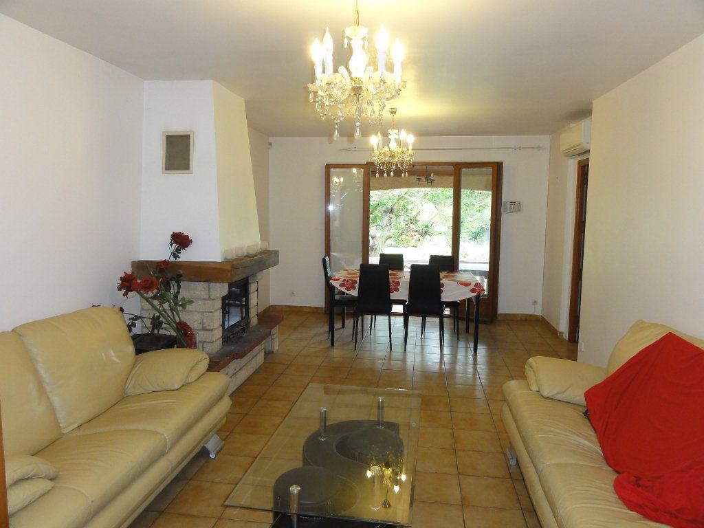 Maison à vendre 6 163.7m2 à Juvignac vignette-1