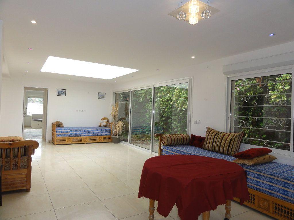 Maison à vendre 6 163.7m2 à Juvignac vignette-3