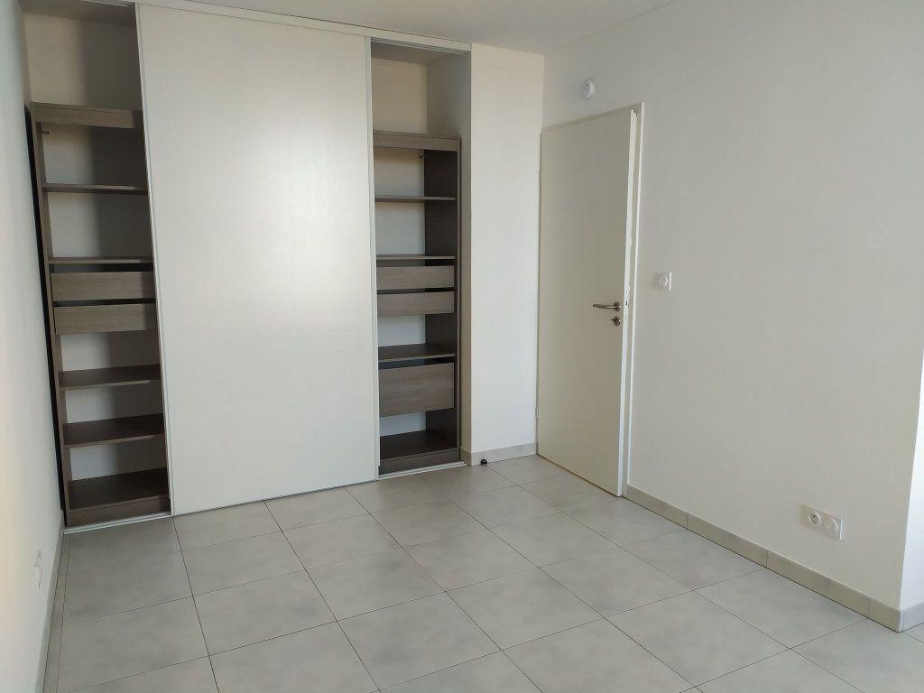Appartement à louer 3 57.76m2 à Montpellier vignette-3