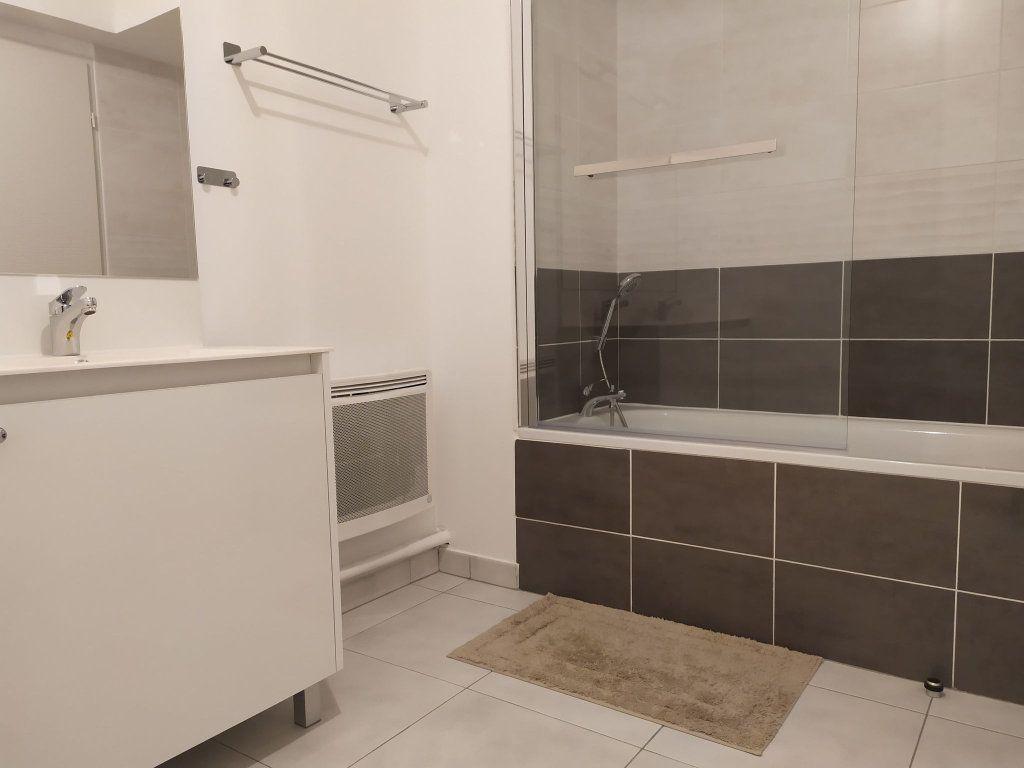 Appartement à louer 3 57.76m2 à Montpellier vignette-4