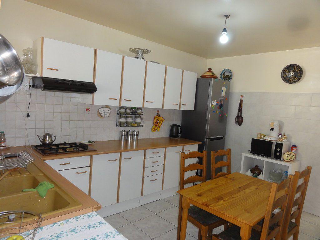 Maison à vendre 6 117.48m2 à Montpellier vignette-3