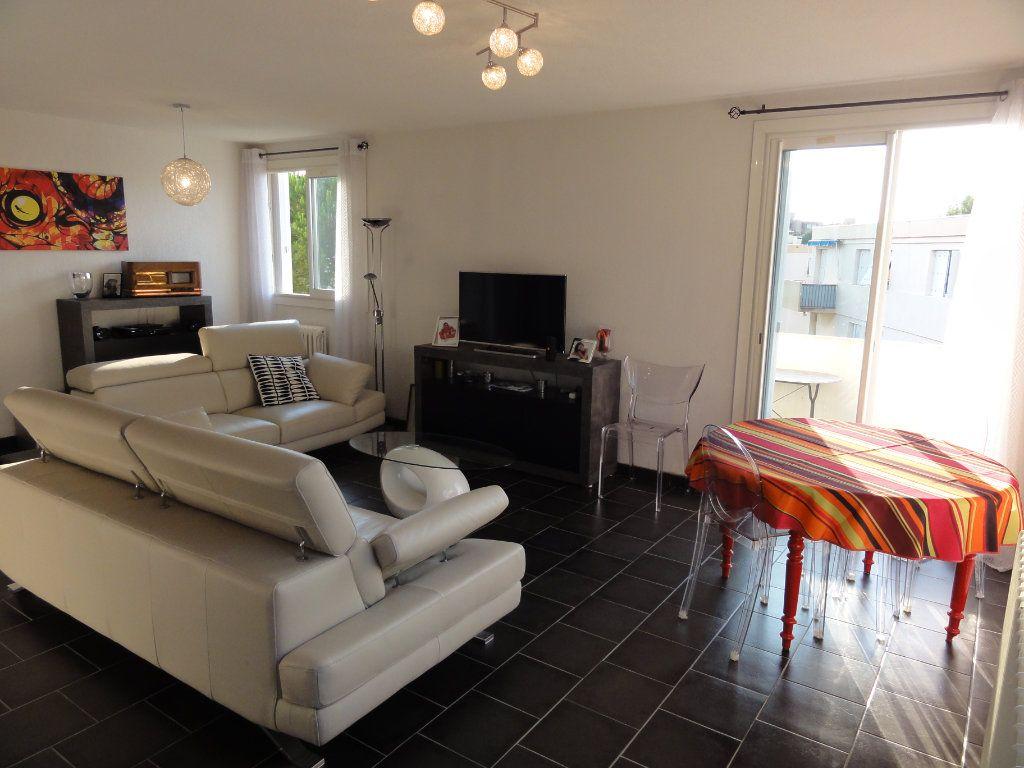 Appartement à vendre 3 75.74m2 à Montpellier vignette-2