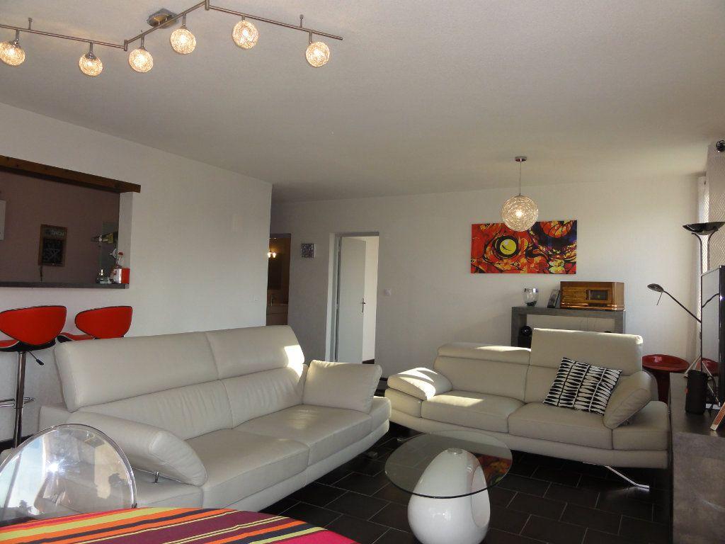 Appartement à vendre 3 75.74m2 à Montpellier vignette-3