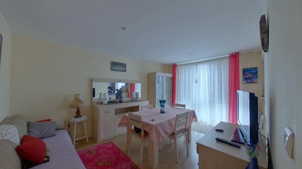 Appartement à louer 3 53.29m2 à Deuil-la-Barre vignette-1