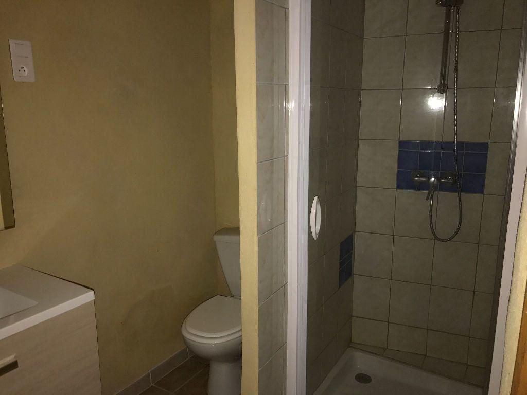 Maison à louer 3 75m2 à Saint-Pons vignette-6