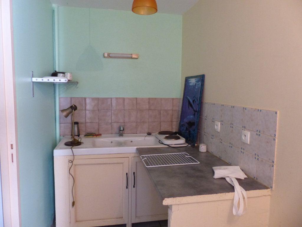 Maison à vendre 12 315m2 à Aubignas vignette-15