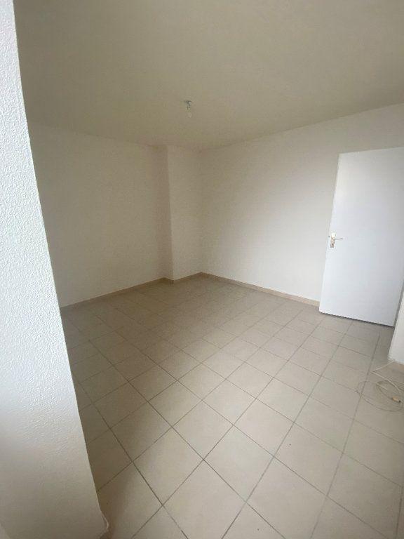 Maison à louer 3 66.07m2 à Le Teil vignette-5