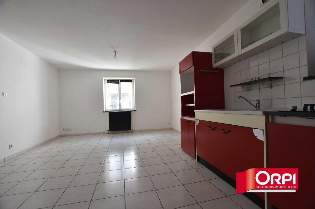 Appartement à louer 2 43m2 à Saint-Symphorien-sur-Coise vignette-2