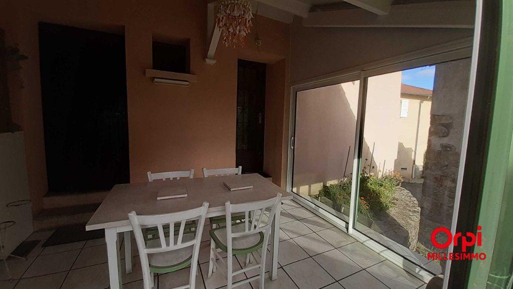 Maison à louer 4 70m2 à Saint-Genis-l'Argentière vignette-1