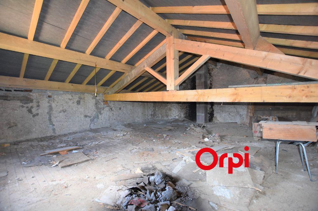 Maison à vendre 5 123m2 à La Chapelle-sur-Coise vignette-5