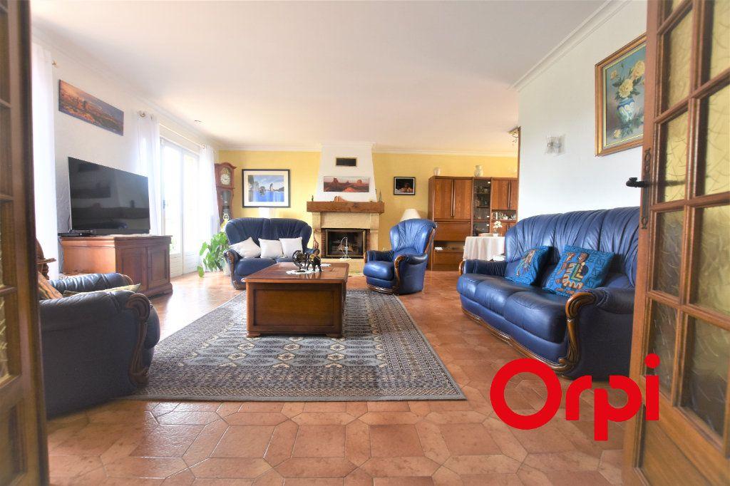 Maison à vendre 5 177m2 à Saint-Martin-en-Haut vignette-2