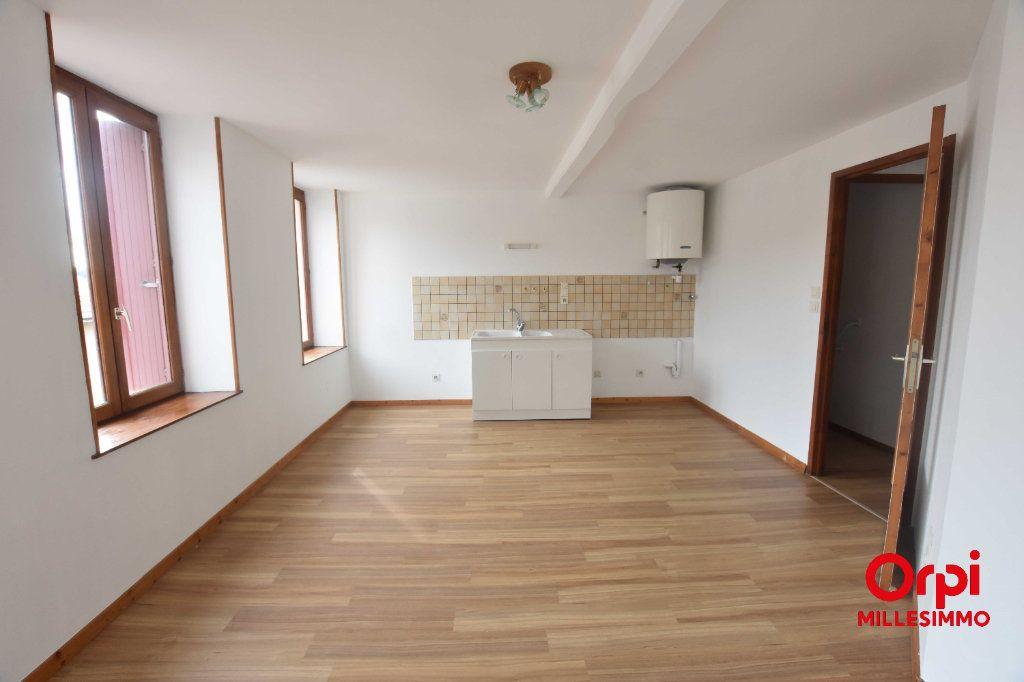 Appartement à louer 3 51.2m2 à Saint-Martin-en-Haut vignette-1