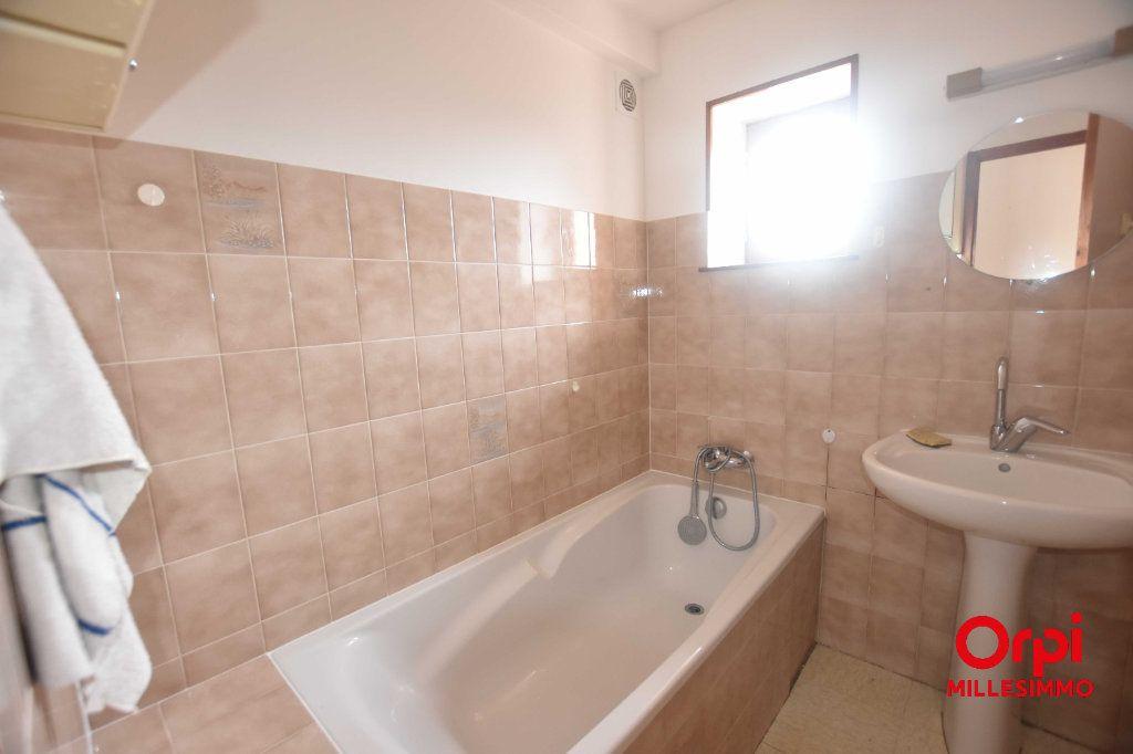 Appartement à louer 3 51.2m2 à Saint-Martin-en-Haut vignette-3