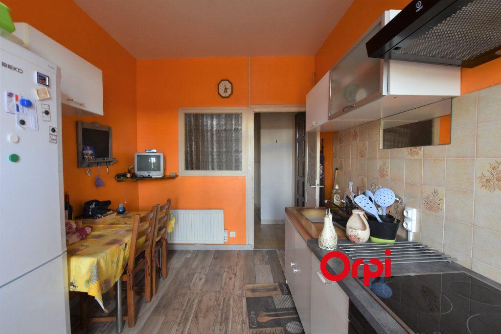 Appartement à vendre 3 80m2 à Saint-Symphorien-sur-Coise vignette-3