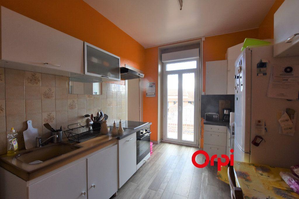 Appartement à vendre 3 80m2 à Saint-Symphorien-sur-Coise vignette-4
