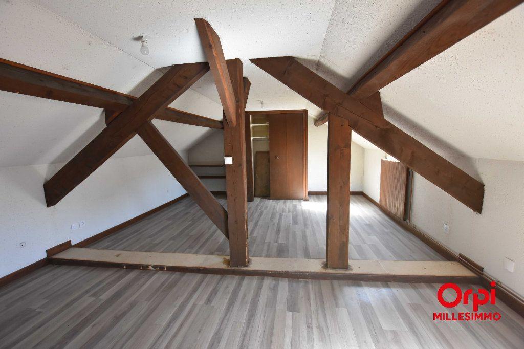 Maison à louer 4 100m2 à Saint-Martin-en-Haut vignette-6